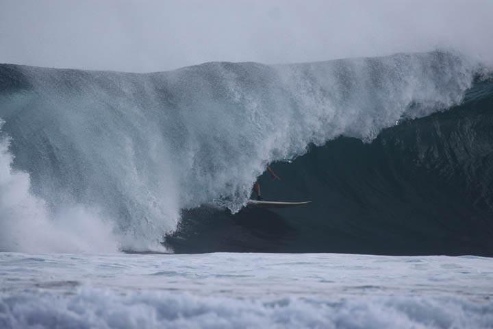 Maui tube riding